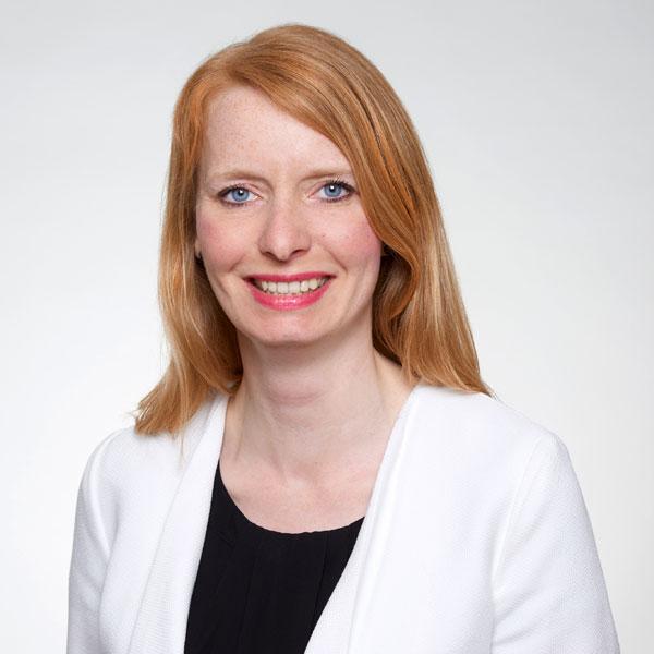 Angela Holz